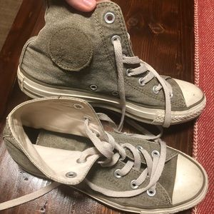 Olive green Converse size 7 women